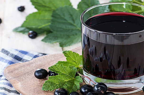 depositphotos_30183197-Fresh-Black-Currant-juice2
